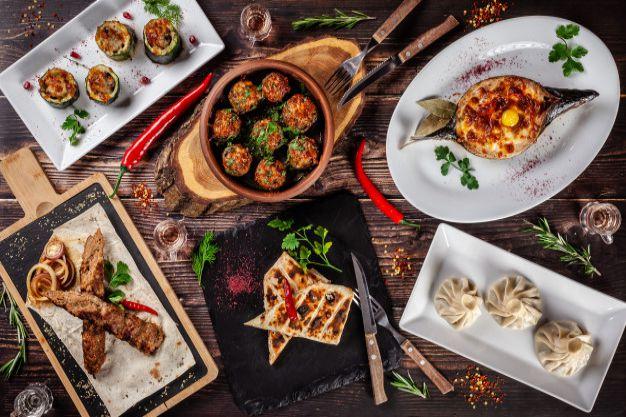 یک meal میتواند شامل چند dish شود