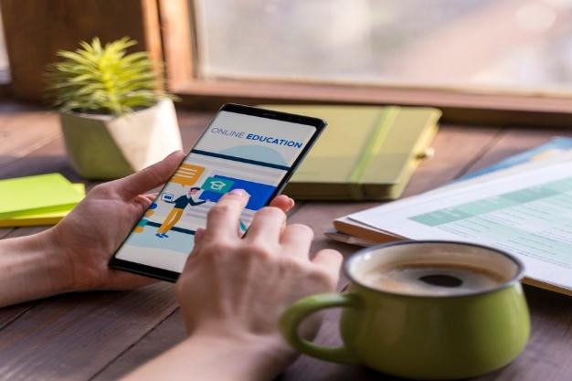 معرفی پنج اپلیکیشن یادگیری زبان بوسیله فلشکارت