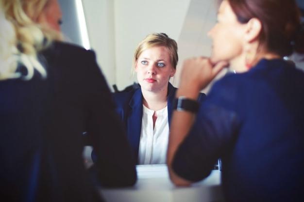 مهارت گفتاری معمولا منوط به تلفیق چند مهارت متفاوت بطور همزمان است