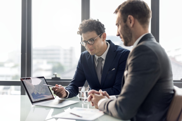 کارفرمایان آلمانی برای اطمینان از سطح زبان متقاضیان کار، یک مدرک زبان معتبر درخواست میکنند