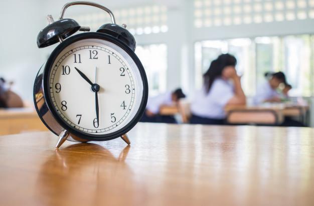 در آزمون اصلی آیلتس، زمانبندی یکی از فاکتورهای اصلی موفقیت محسوب میشود