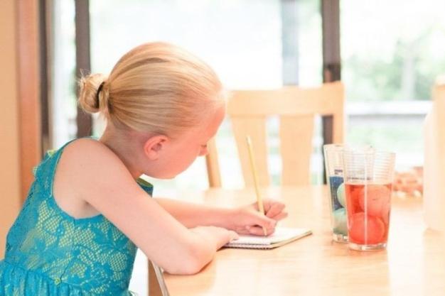 یادگیری کودکان در منزل