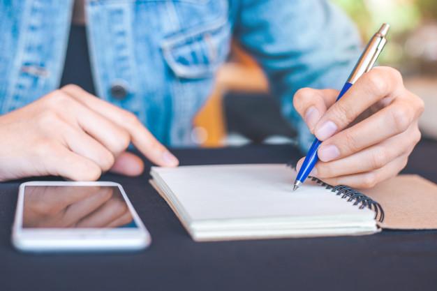 آیا چپ دستها در یادگیری زبان و مهارتهای کلامی توانمندترند؟
